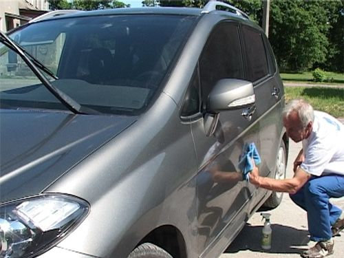 Car exterior nano protective polish application (video)