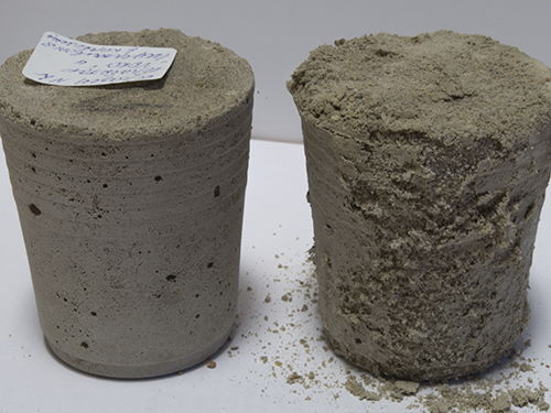 Protected / unprotected concrete samples in 1 year after dipping into strong liquid nitrate fertilizer
