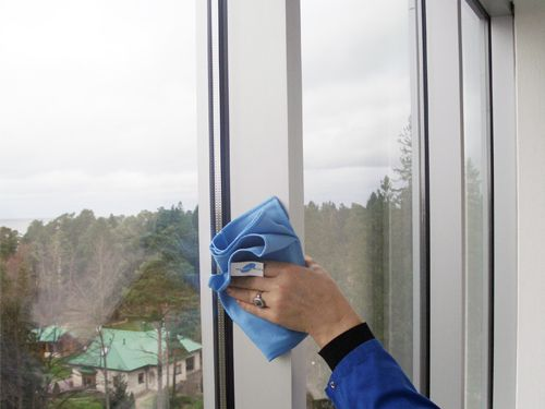 Glass window protecting with Nanoformula product (video)